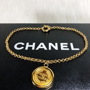 CHANEL F/W 1994 Rue Cambon Large Charm Necklace